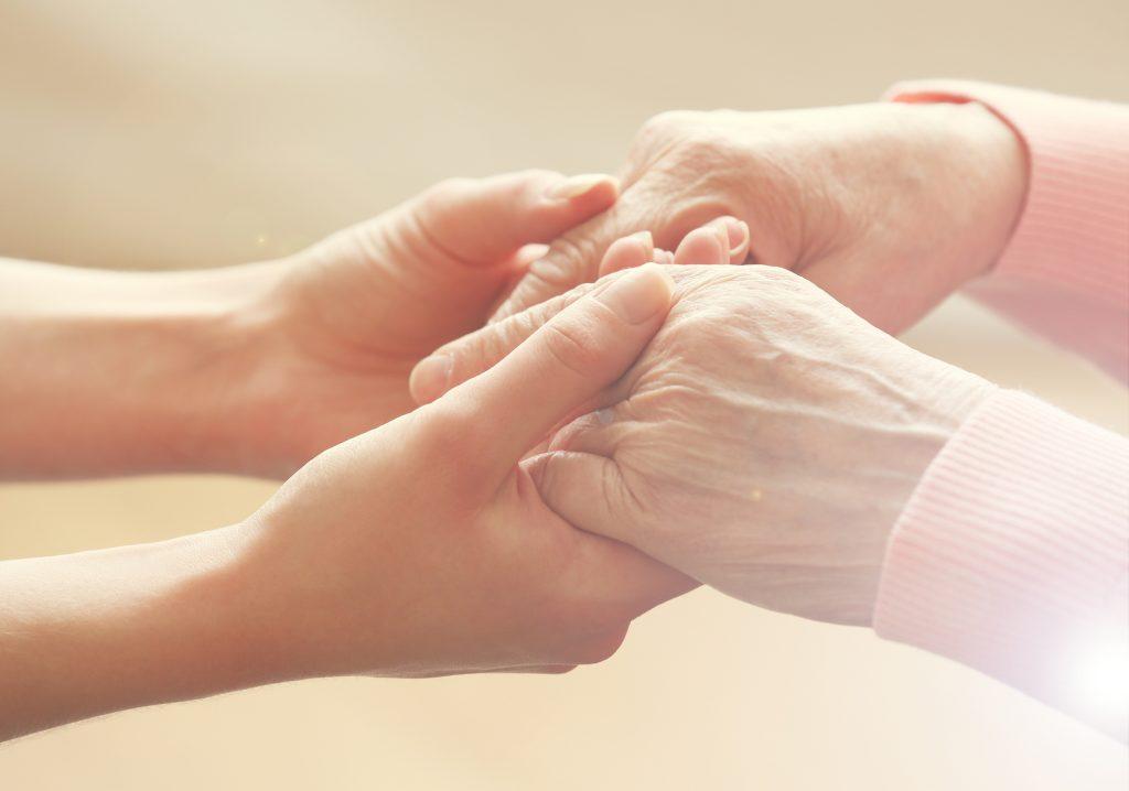 Az idősgondozás segíthet szeretteinken és rajtunk is