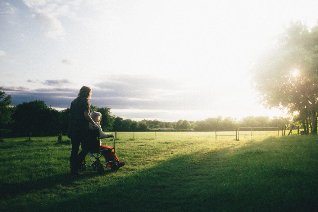 Házi idősgondozás a mindennapok megkönnyítésére